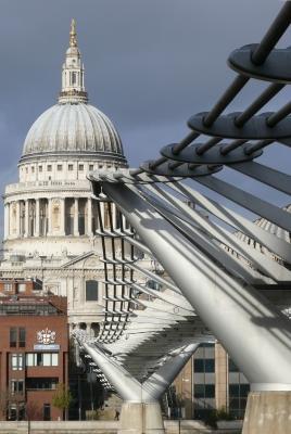 St. Paul's mit Brücke