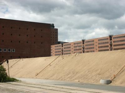 Hafencity - Sandaufschüttung am Kaiserkai