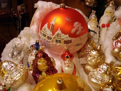 Christbaumkugel auf dem Weihnachtsmarkt...