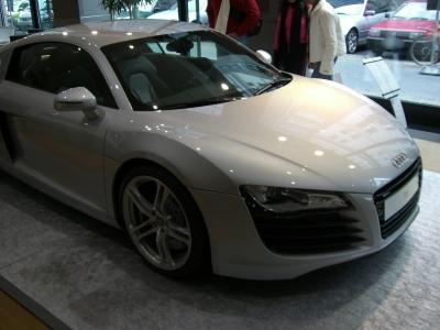 Audi R8 seitlich frontal