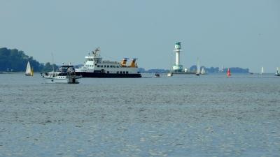 Schiffsverkehr auf der Kieler Förde -2-