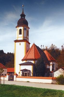 Eine typisch bayrische Dorfkirche