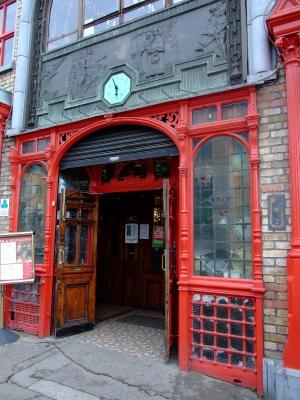 Das Pub ist offen