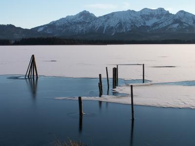 Zugefrorener See 1
