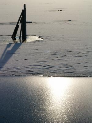 Zugefrorener See 3