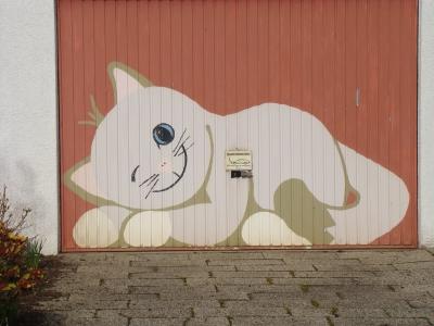 Garagentor bemalen vorlagen  Kostenloses Foto: Garagentor (mit Katze) angemalt - pixelio.de