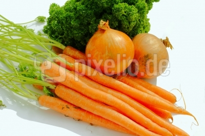 Zutaten für Gemüsesuppe