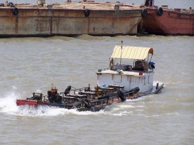 Tankschiff auf dem Mekong