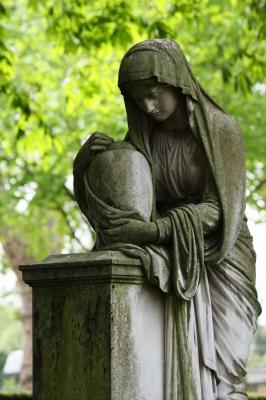 Frauenstatue