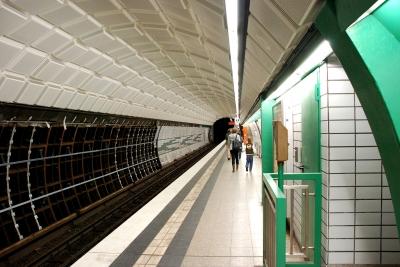 Messehallen Tunnelröhre Gleis 1