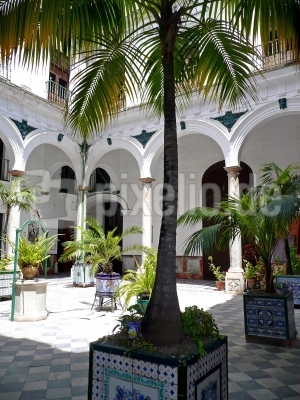 Spanischer Innenhof kostenloses foto spanischer innenhof pixelio de