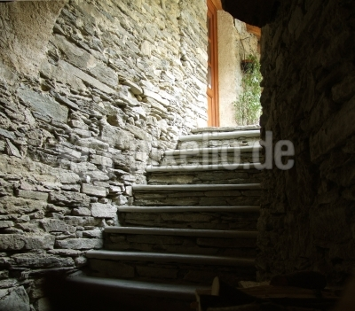 Treppe ins ...