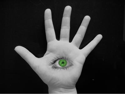Auge in Handfläche