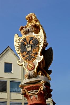 Löwenbrunnen auf dem Ulmer Münsterplatz