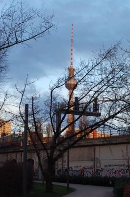 Berlin Fernsehturm Brücke Spree