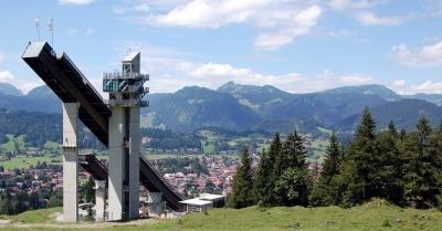 Schattenbergschanze und Blick über Oberstdorf