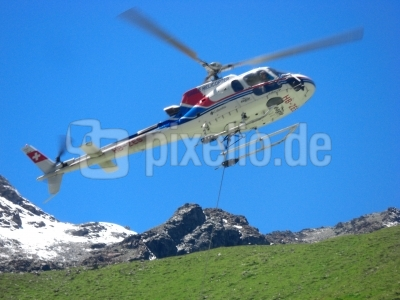 Hubschraubertransport für die Capane de Moiry / 2