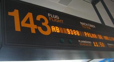 Flugsteig zum Abflug nach Palma