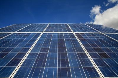 Photovoltaik-Element mittig