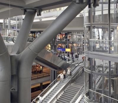 HBF-Berlin, Säulen