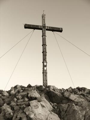 Südtirol: Gipfelkreuz Große Laugenspitze - Seppia