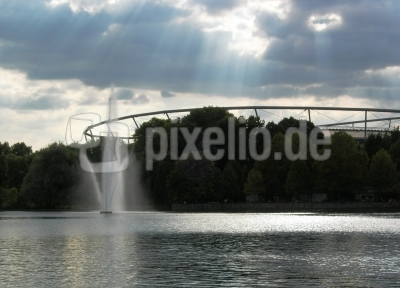 Hannover: Blick vom Maschsee zur AWD-Arena