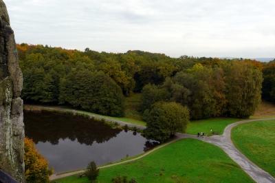 Blick von den Externsteinen im Teutoburger Wald im Herbst