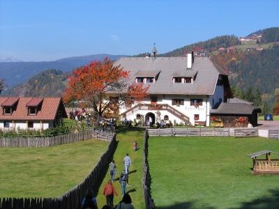 Südtirol: Buschenschank am Ritten