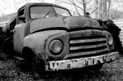 alter Opel Tanklastzug
