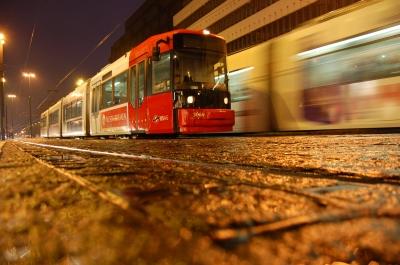 Schnelle Straßenbahn