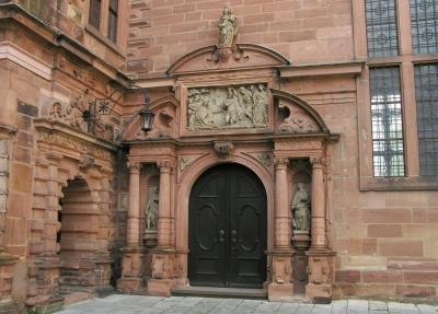 Schloss Aschaffenburg, Kapelleneingang