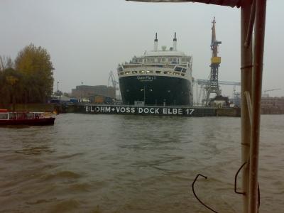 Q.M.2 Hafen Hamburg