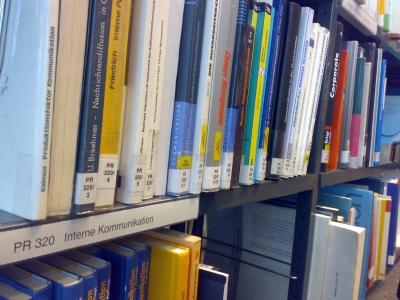 Fachliteratur Public Relations in Bücherei