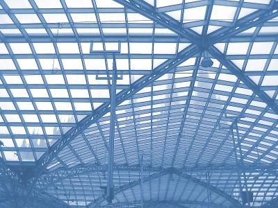 Glasdach mit Stahlkonstruktion