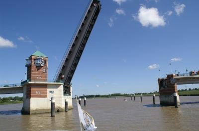 Zugbrücke 2