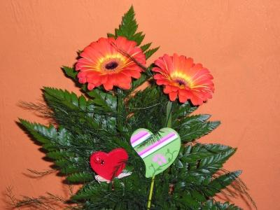 2 Blumen mit Herzen