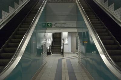 zum Fahrstuhl