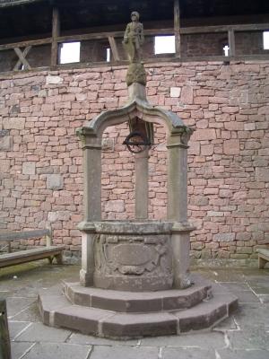 Zugbrunnen im Château du Haut-Kœnigsbourg