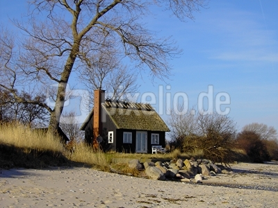 kostenloses foto ferienhaus direkt an der ostsee. Black Bedroom Furniture Sets. Home Design Ideas