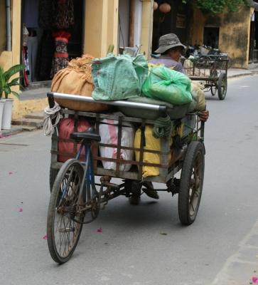 Schwertransport in Vietnam