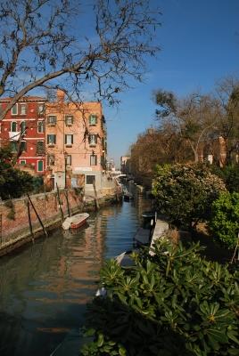 Ein kleiner Kanal in Venedig