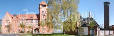 Hansagymnasium und Feuerwehr in Stralsund