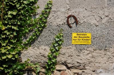 Betreten der baustelle nur für kinder  Kostenloses Foto: Betreten der Baustelle nur für Kinder! - pixelio.de