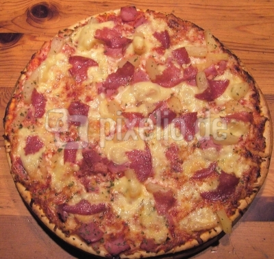 rustikale Pizza Ton in Ton