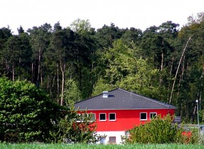 schöne rote Fassade