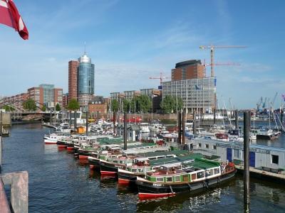 Barkassen im Hamburger Hafen