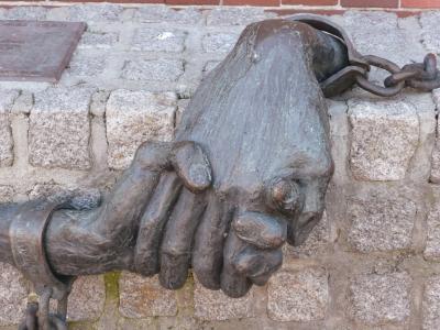 Denkmal_Hände