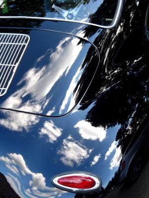 Glanzvoller Oldie Porsche 1600