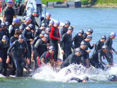Triathlon Schwimmstart - jetzt geht´s  los