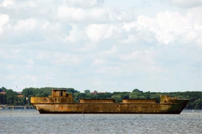 Betonschiff in der Bucht von Wismar